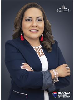 Diana Garces - RE/MAX Asesoría Inmobiliaria