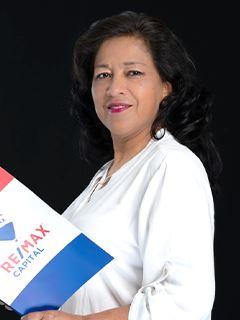 Sandra Urgiles - RE/MAX Capital