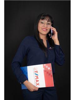 Elizabeth Chango - RE/MAX Capital 2