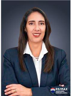 Fernanda Yepez - RE/MAX Asesoría Inmobiliaria
