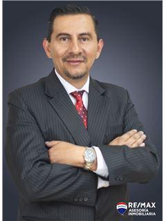 Juan Cumba - RE/MAX Asesoría Inmobiliaria