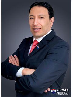 Cristhian Valenzuela - RE/MAX Asesoría Inmobiliaria