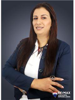 Alexandra Valarezo - RE/MAX Asesoría Inmobiliaria