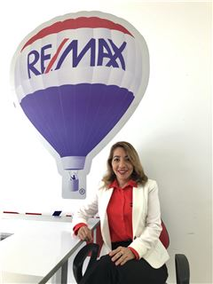 Reina Martillo - RE/MAX Kigal