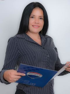 Raquel  Narváez - RE/MAX Capital