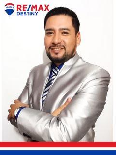 Byron Quichimbo R. - RE/MAX Destiny