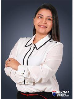 Alexandra Sacoto - RE/MAX Asesoría Inmobiliaria