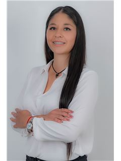Lizbeth Delgado - RE/MAX Capital 2