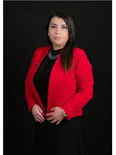 Elizabeth Gonzalez - RE/MAX Capital