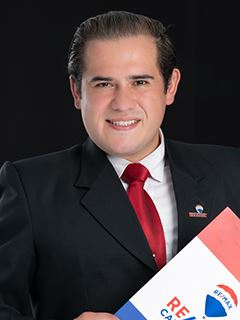 Luis Caymayo - RE/MAX Capital