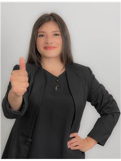 Paola Buestan - RE/MAX Capital