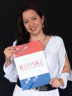 Andrea Ayala - RE/MAX Capital 2