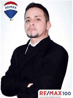 Michael Gonzalez - RE/MAX 100 2