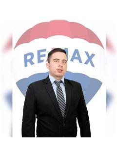 Diego Cedeño - RE/MAX Diamond