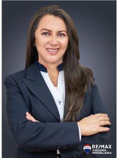 Bróker - Jacqueline Dávila - RE/MAX Asesoría Inmobiliaria
