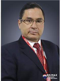 Lizardo Robles - RE/MAX Asesoría Inmobiliaria