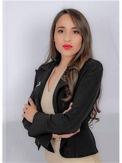 Diana Peñafiel - RE/MAX Capital