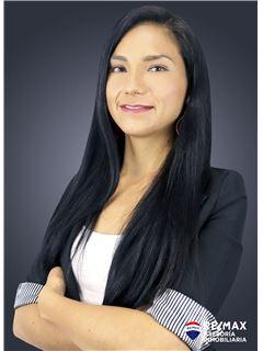 Estefania Torres - RE/MAX Asesoría Inmobiliaria