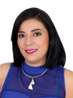 Veronica Alexandra Sanchez Hinojosa - RE/MAX Infinity