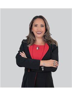 Veronica Guerrero - RE/MAX Capital