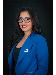 Diana Rivadeneira - RE/MAX Capital 2