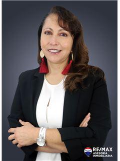 Jimena Chacon - RE/MAX Asesoría Inmobiliaria