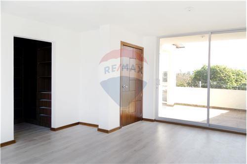 Casa - De Venta - Quito, Ecuador - 25 - 890321250-43