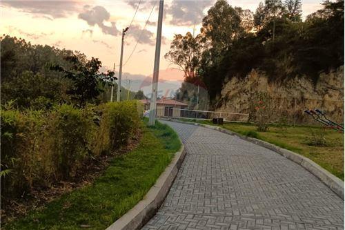 Terreno - De Venta - Rumiñahui, Ecuador - 27 - 890321254-9
