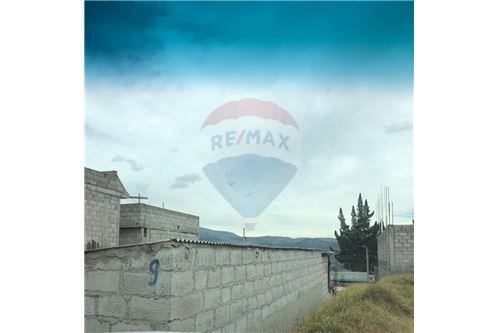 Terreno - De Venta - Quito, Ecuador - 6 - 890321277-3