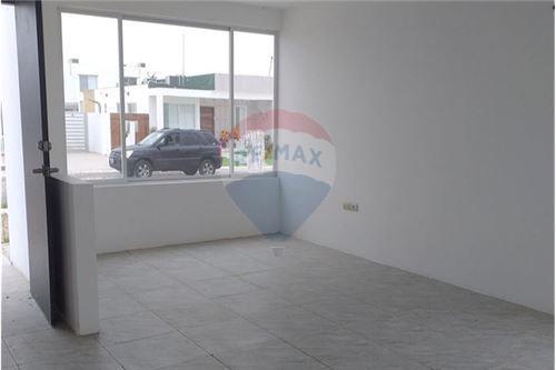 Casa - De Venta - Santa Elena, Ecuador - 8 - 890111247-9