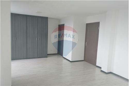 Departamento - De Venta - Quito, Ecuador - 32 - 890191364-22