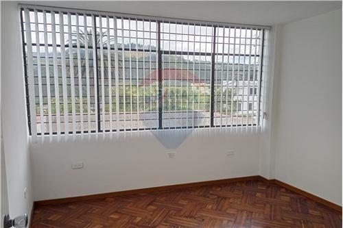Departamento - De Venta - Mariscal Sucre, Ecuador - Habitación 2 - Dormitorio - 890091417-20