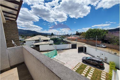 Casa - De Venta - Quito, Ecuador - 51 - 890321250-43