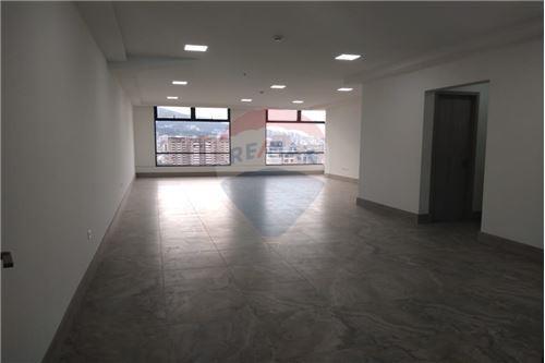 Oficina - De Alquiler - Mariscal Sucre, Ecuador - Oficina  - 890091442-9