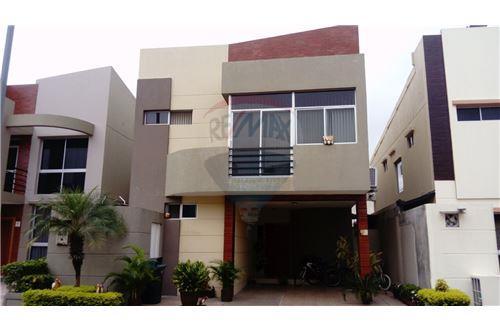 Daniel mogollon re max professional guayaquil guayas for Urbanizacion mucho lote 2 villa modelo
