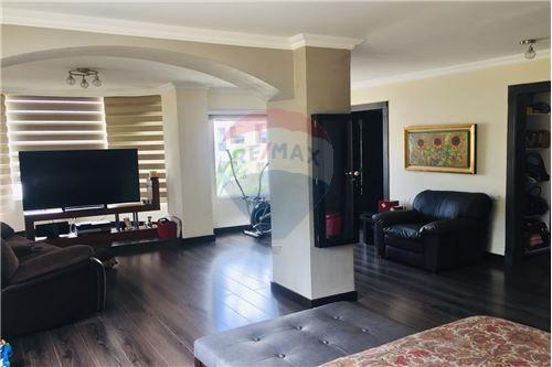 Departamento - De Venta - Rumipamba, Ecuador - 66 - 890191306-173