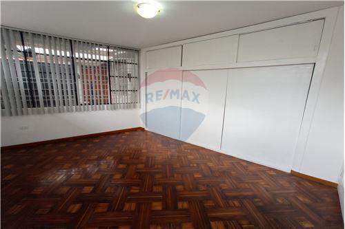 Departamento - De Venta - Mariscal Sucre, Ecuador - Habitación máster - Dormitorio Máster - 890091417-20