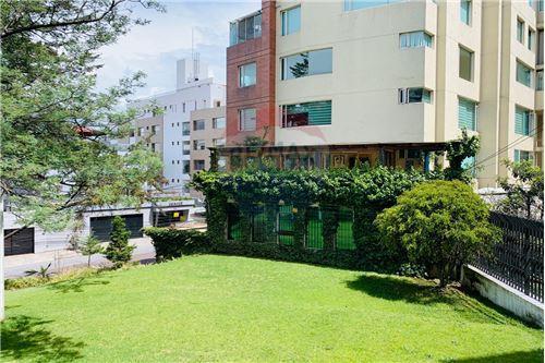 Departamento - De Venta - Rumipamba, Ecuador - 79 - 890191306-173