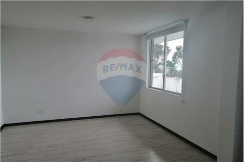 Departamento - De Venta - Quito, Ecuador - 37 - 890191364-22