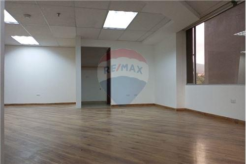 Oficina - De Alquiler - Iñaquito, Ecuador - 3 - 890601010-10