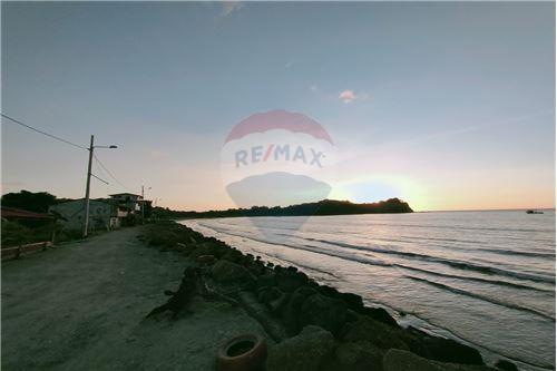 Terreno - De Venta - Mompiche, Ecuador - 18 - 890091244-77