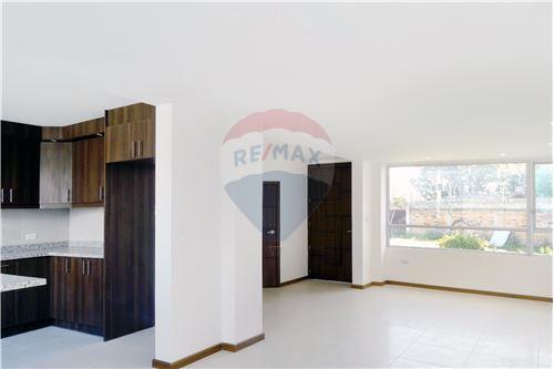 Casa - De Venta - Quito, Ecuador - 7 - 890321250-43