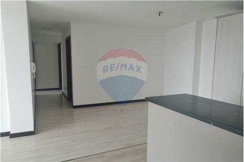 Departamento - De Venta - Quito, Ecuador - 34 - 890191364-22