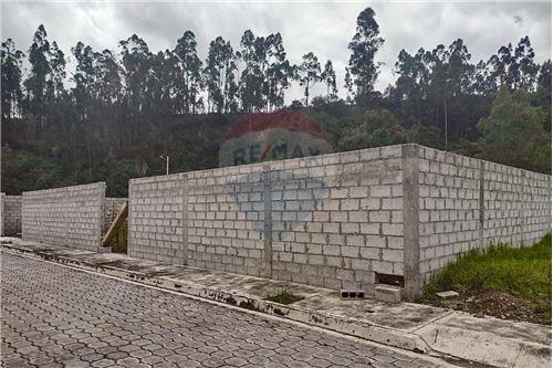 Terreno - De Venta - Rumiñahui, Ecuador - 44 - 890321254-9