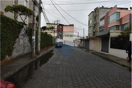 Departamento - De Venta - Quito, Ecuador - 43 - 890551043-11