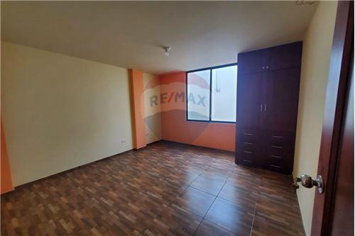 Casa - De Venta - Manta, Ecuador - 18 - 890351041-22