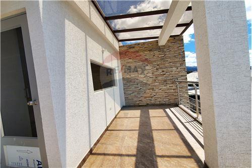 Casa - De Venta - Quito, Ecuador - 44 - 890321250-43