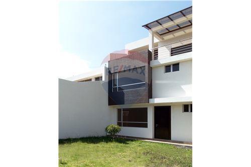 Casa - De Venta - Quito, Ecuador - 1 - 890321250-43