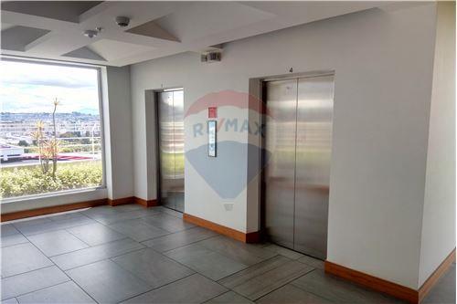 Oficina - De Venta - Iñaquito, Ecuador - 50 - 890091346-23