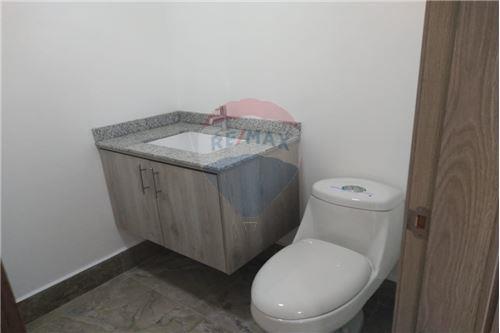 Oficina - De Alquiler - Mariscal Sucre, Ecuador - 27 - 890091442-9